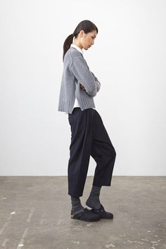 Catwalk photos and all the looks from Studio Nicholson - Pre Autumn/Winter Ready-To-Wear London Fashion Week Socks Outfit, Studio Nicholson, Fall Collection, Facon, Minimal Fashion, Fashion Outfits, Fashion Tips, Clogs, What To Wear