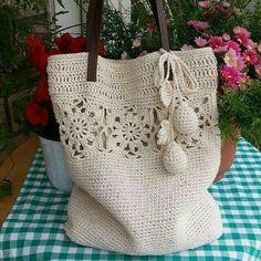 Grandiosos diseños de bolsas tejidas a crochet paso a paso - Tejidos a crochet paso a paso - Stricken anleitungen,Stricken einfach,Stricken ideen,Stricken tiere,Stricken strickjacke Crochet Fabric, Crochet Tote, Crochet Handbags, Crochet Purses, Crochet Gifts, Crochet Stitches, Knit Crochet, Crochet Designs, Crochet Edgings