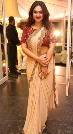 Sridevi Vijaykumar Photos At Shyam Prasad Reddy Daughter Wedding Saree Photoshoot, Saree Trends, Saree Models, Saree Look, Elegant Saree, Indian Beauty Saree, Indian Sarees, Beauty Full Girl, Most Beautiful Indian Actress