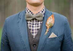 This tweed bowtie is perfect for a winter wedding! And we love how it looks paired with a vest + plaid shirt :)
