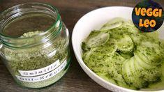 Kräuter-Dill-Fix - Rezept von Veggi Leo Pickles, Cucumber, Ethnic Recipes, Leo, Youtube, Cooking, Grilled Bell Peppers, Canning, Essen