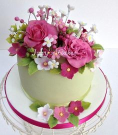 A Pretty Flowery Birthday - Cake by Isabelle's Cake Design