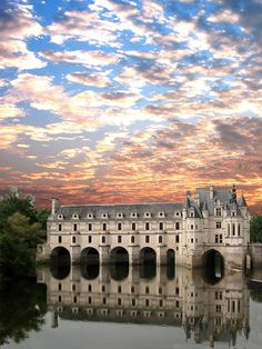 Chenonceau, a Loire Valley chateau... I have always fancied a driving hol through the Loire Valley. There are too many chateaus worth seeing to name all, but this one is up there at the top!