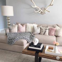 H O M E // living room (at Los Angeles, California)