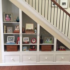 44 Unbelievable Storage Under Staircase Ideas Bewitching Your Staircase Look Clever - Elevatedroom Under Staircase Ideas, Storage Under Staircase, Space Under Stairs, Under Basement Stairs, Attic Stairs, Staircase Shelves, Basement Staircase, Room Shelves, Stair Bannister Ideas