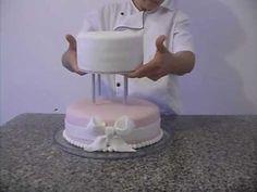 Montagem de Suporte em Bolo de Andar - banquinho separador de bolo