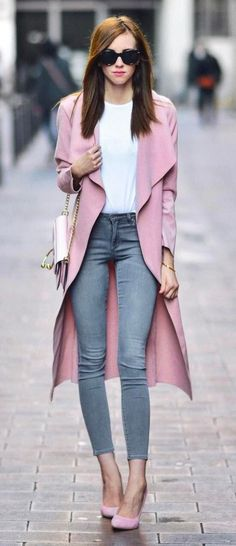 O estilo urbano misturado com clássico, quando sabemos que os jeans vieram para… Urban style mixed with classic, when we know that jeans are here to stay in this equation. Chic Summer Outfits, Chic Outfits, Fall Outfits, Fashion Outfits, Fashion Trends, Work Outfits, Fashion Ideas, Look Fashion, Urban Fashion