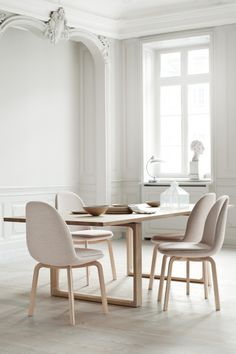 voguelivingmagazine: 25 of the coolest dining chairs - Vogue Living