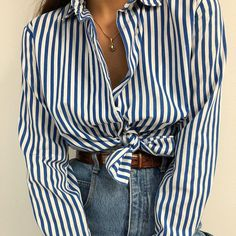 Vintage White and Blue Striped Blouse + High Waisted Jeans Blouse Vintage, Vintage Jeans, Timeless Fashion, Vintage Fashion, Blue And White Shirt, Fashion Looks, Style Fashion, Style Inspiration, Fashion Outfits