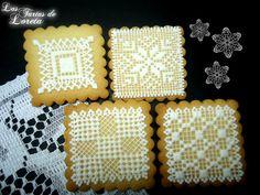 98. by Las Tartas de Loreta, via Flickr Biscuit Cookies, Sugar Cookies, Cross Stitch Books, Candy Boxes, Royal Icing, High Tea, Cookie Decorating, Christmas Cookies, Gingerbread