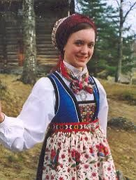 Bilderesultat for bringedukdrakt valdres Folk Costume, Costume Dress, Sons Of Norway, Norwegian Wedding, A Writer's Life, Ethnic Outfits, Fantasy Costumes, We Are The World, Costume