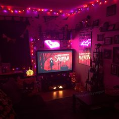 Halloween Bedroom, Halloween Home Decor, Halloween House, Halloween Decorations, Aesthetic Indie, Aesthetic Room Decor, Horror Room, Hippy Room, Goth Home