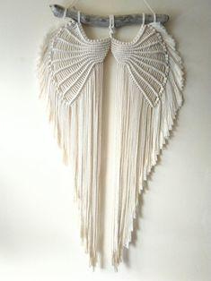 Macrame Design, Macrame Art, Macrame Projects, Macrame Knots, Macrame Jewelry, Macrame Thread, Crochet Dreamcatcher, Macramé Angel, Diy Angel Wings