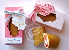 Little Debbie Snack Cake Box Video- Connie Stewart. So darling. Cake Holder, Treat Holder, Little Debbie Snack Cakes, Cake Packaging, Paper Candy, Staff Gifts, Cake Craft, Gift Cake, Craft Box