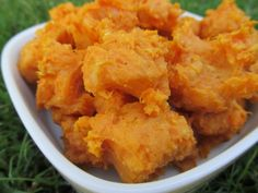 gluten-free) sweet potato cheese by Doggy Dessert Chef ( Get ready for more gluten free goodness in this four ingredient recipe. Ingredients 1 medium Sweet Potato, cooked and mashed cup shredde… Dog Treat Recipes, Dog Food Recipes, Snack Recipes, Cooking Recipes, Snacks, Chef Recipes, Homemade Dog Treats, Pet Treats, Healthy Dog Treats