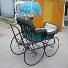 ANTIQUE BABY CARRIAGE, VICTORIAN ERA 1800's