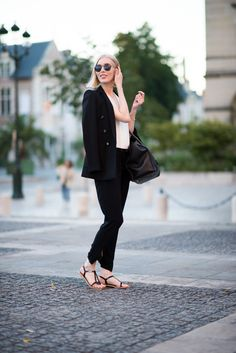 Black blazer, Andiata Jenner, Summer Fashion