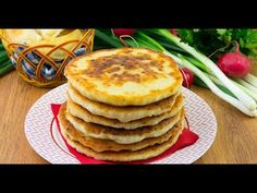 Turte cu telemea de vacă – o inspirație din bucătăria bunicii! - YouTube Vegetarian, Breakfast, Food, Youtube, Cow, Breakfast Cafe, Essen, Yemek, Youtubers