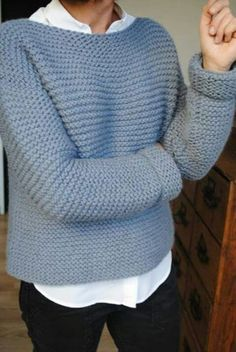 Pretty pale blue sweater over white shirt with black jeans. Kötőkeret 744f21a2fe