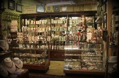 locking jewelry boutique displays - Google Search