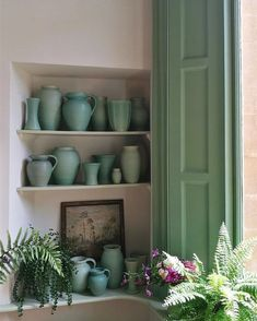An inspirational image from Farrow & Ball. Come be inspired by interior design photos with French Green Paint Colors and Serene French Blue-Greens. Farrow Ball, Farrow And Ball Paint, Farrow And Ball Kitchen, Farrow And Ball Bedroom, Blue Green Paints, Green Paint Colors, Blue Green Rooms, Green Room Colors, Retro Vintage