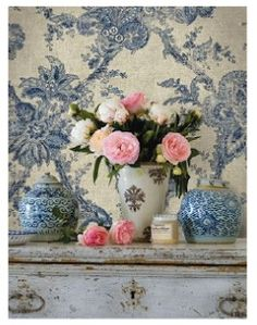 Wallpaper. Paper or fabric? Love it!