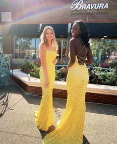 Sherri Hill 4 Hoco 2020 💛 Shop hoco court & all your dress needs by appointment! Call us or click the link below! P. 770-977-8916 my.bravurafashion.com 📍 4475 Roswell Road, Marietta, Georgia 30062 Miss America Contestants, Sherri Hill Prom Dresses, Miss Usa, Exclusive Collection, Corset, Bustiers, Corsets
