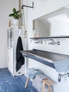 badkamer   bathroom   vtwonen 4-2016   photography Louis Lemaire (insidehomepage.com)   Styling Esther Loonstijn
