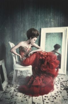 Photographer unknown - Fashion photography - Love - Valentines Day concept ideas