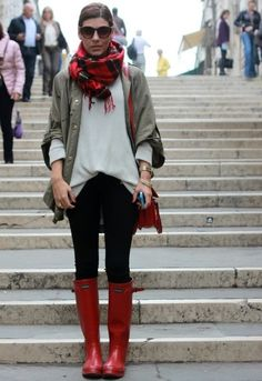 10+Cute+Outfits+with+Red+Rain+Boots