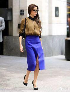 Стильный пример: 37 лучших луков Виктории Бэкхем в стиле street style