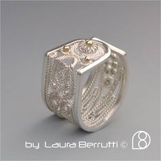 Bague – Tendance : Open Filigree Sterling and Gold Ring… Filigree Jewelry, Filigree Ring, Jewelery, Silver Jewelry, Fine Jewelry, Sterling Silver Rings, Gold Rings, Silver Hoop Earrings, Handmade Silver