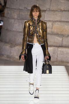 Défilé Louis Vuitton Printemps-été 2018 Prêt-à-porter - Madame...