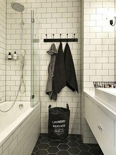 Kafelki na podłodze, kolorystyka - łazienka
