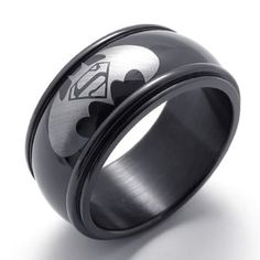 Batman/Superman Ring Size 6 Cool men's Superman Ring made of stainless steel. Cool accessory for any man who's a fan of Superman. Superman Ring, Batman Et Superman, Batman Ring, Batman Logo, Black Batman, Superman Symbol, Spiderman, Batman Superhero, Batman Wedding Rings