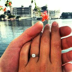 Wonderful proposal with a Hyde Park Design Engagement Ring from Lake Udaipor, India! Congratulations!