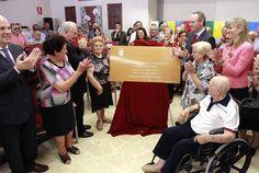 En la inauguración del Centro de Mayores de Ribarroja del Turia