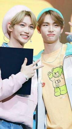 Page 2 Read Niños Perdidos from the story Stray Kids; chats by BxBy_Girlx (Mai) with 539 reads. Stray Kids Seungmin, Felix Stray Kids, Kids Tumblr, Kids Around The World, Kid Memes, My Little Baby, Light Of My Life, K Idol, Korean Celebrities