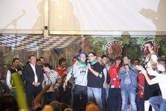 Espuma festiva en Laredo (Video/Fotos)