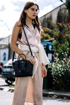Céline Nano Luggage Shoulder | Galería de fotos 2 de 20 | VOGUE