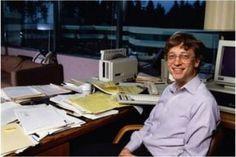 天才は机が汚い?あの偉人のオフィス机を17人一挙公開