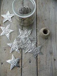 punched aluminum stars garland, inspiration only-site is in french