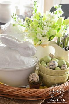 Creating a seasonal vignettes is my favorite way to decorate the kitchen table!   It's so much fun to play with my dishes and fun elements to make a vignette that brings the outdoor season inside!   This spring vignette is all about tulips and stock and eggs and bunnies and that beautiful spring …
