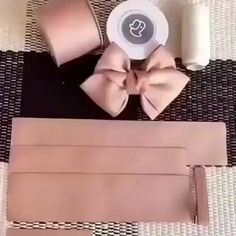 Simple ribbon DIY tutorial😊 Let's get crafty Making Hair Bows, Diy Hair Bows, Diy Hair Clips, Fabric Hair Bows, Ribbon Hair Bows, Hair Bows For Girls, Flower Hair Bows, Bow Making, Diy For Girls