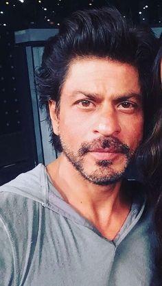 Shah Rukh Khan. SRK. Lux Golden Rose Awards, Nov 2016 rehearsals