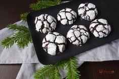 Crinkles: Kakaové sušenky, které ohromí každou návštěvu!   Vaření.cz Crinkles, Muffin, Cupcakes, Cookies, Breakfast, Food, Crack Crackers, Morning Coffee, Cupcake Cakes