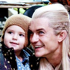 """""""Yes, this is Thranduil. Yes, he has a very scary and bloody face. Now, please don't have nightmares, I want to sleep tonight."""" <<<< Um but that Legolas not Thranduil Legolas And Thranduil, Tauriel, The Hobbit Movies, O Hobbit, Fellowship Of The Ring, Lord Of The Rings, Lotr Cast, Into The West, Photo Vintage"""
