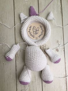 Best 12 How cute are these crochet photo frames? Make them for easter, valentines day, mothers day, etc! Crochet Baby Toys, Crochet Home, Crochet For Kids, Crochet Animals, Baby Knitting, Amigurumi Doll, Amigurumi Patterns, Crochet Patterns, Kawaii Crochet