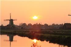 Bert Kootstra fotografeerde deze mooie zonsopgang op de Zaanse Schans.