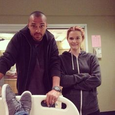 Jesse and Sarah being cuties behind the scenes